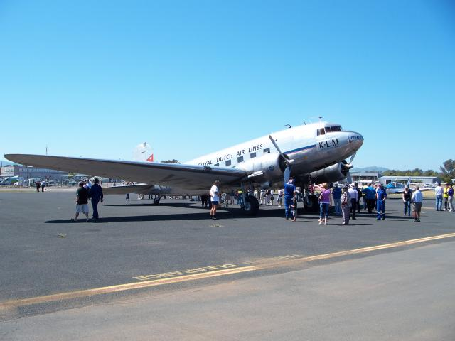 DC3 on the ramp at Albury